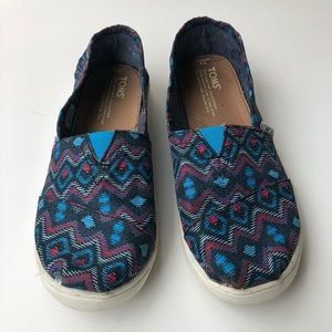 Toms Classic Shoes Youth size 4